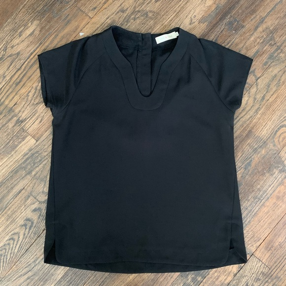 Indi & Cold Tops - {{ Black Capsleeve Top }}